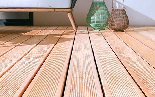 Holz- und Bambus